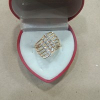 cincin mata putih 3 baris miring model kipas 2 gram emas muda