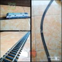 Mainan Anak Kereta Api Rc Xk12D1491 Rel Flexible Track Atlas Miniatur