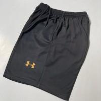 Celana Pendek Olahraga HITAM UA01