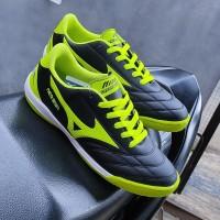 sepatu futsal profesional mizuno - Merah, 41