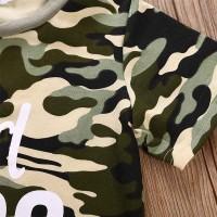Mantap Setelan Kaos T-Shirt Motif Camo + Celana Pendek Denim untuk