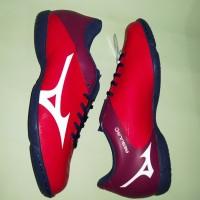 Sepatu Futsal Mizuno Rebula V4 IN (High Risk Red/White/Blue Depth)
