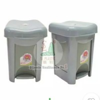 ( Khusus GOJEK instant ) tempat sampah injak Livina silver 15 liter