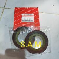 seal roda belakang luar canter ps125/ps110 mb161134