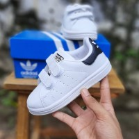 Sepatu anak adidas stansmith