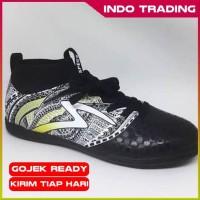 Sepatu Futsal Specs Heritage In Black Gold White Original