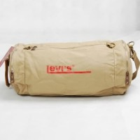 tas tabung kanvas Levis tas selempang dan jinjing krem tas sport