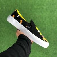 Sepatu Vans x The Simpsons Slip On LX Bart & Lisa Black White Yellow