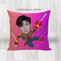 Bantal Sofa / Cushion foto karikatur - Spiderman Show