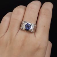 Cincin Pria Laki 7.75 gr emas putih 75% Uk 17 Batu Sintetis Safir Biru