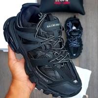Sepatu Balenciaga Track Tripel Black