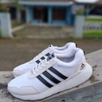 Sepatu Adidas Sneaker jumbo putih 45-48