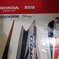Striping Honda Vario techno 125 F1 helm in list merah 2013 original