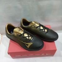 sepatu futsal anak tangung hitam/emas ardiles fls Dakota fl-tg