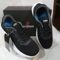 sepatu Runing merk ardiles hitam/putih PRS-Star Road