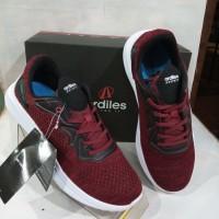 sepatu Runing merk ardiles maroon/hitam PRS-Star Road