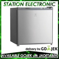 Perangkat Dapur Electrolux Mini bar EUM0500SB-RID Kulkas Portable
