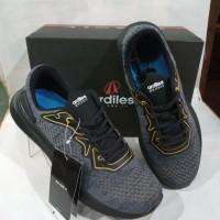sepatu Runing merk ardiles abu/hitam PRS-Star road