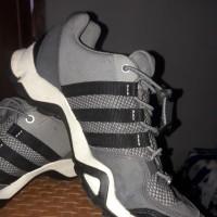 Sepatu Adidas AX2 Original Second