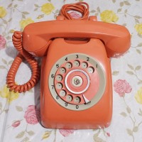 Telepon putar jadul antik Jepang orange