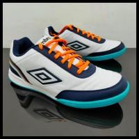 Best Seller Sepatu Futsal - Umbro Futsal Street V 81277U Hpw