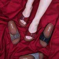 Pluvia Sandal Flat Wanita Footbed