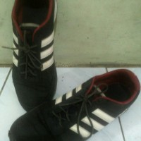 Sepatu ADIDAS NEO JOG ASLI size 43 hitam strip putih MULUS