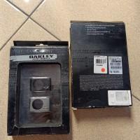 Oakley Apple iPod shuffle case nos original