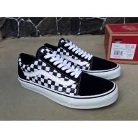 Sepatu Vans Checkerboard kotak hitam putih