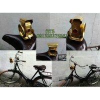 Sepeda onthel - lampu minyak dengan bentuk unik bahan full kuningan