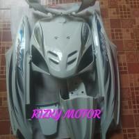 Cover Full Body Halus Yamaha Mio Sporty Putih Plush Striping