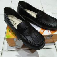 Sepatu flat pantofel wanita Milton hitam/sepatu kerja