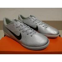 Sepatu Futsal Nike Mercurial Vapor XII Elite HERITAGE Silver Black