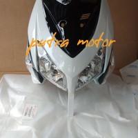 paketan full set tameng body depan Vario 110 cw putih