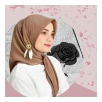 aksesoris muslim peniti bohlam anting hijab bulu putih