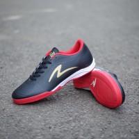 New sepatu specs futsal keren untuk pria