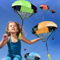 Mainan Parasut Anak Bahan Plastik dan Kain untuk Outdoor/Olahraga