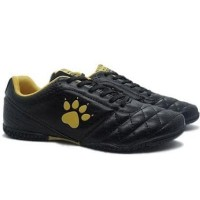 laris]] Sepatu Futsal Kelme Power Grip Black Gold ]]