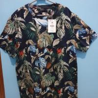 Kaos Cowok T shirt Bershka fashion pria atasan pria ukuran Medium