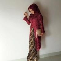 setelan baju wisuda kebaya sani maroon rok motif padi san AT