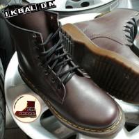 Boots Dr Martens Docmart 8 Lubang Hole 1460 Coklat Brown Sepatu Punk