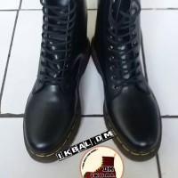 Boots Dr Martens Docmart 10 Lubang Hole 1490 Coklat Brown Sepatu Punk
