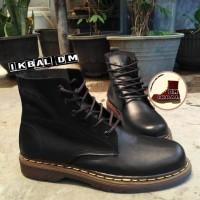 Boots Dr Martens Docmart 6 Lubang Hole Brown Coklat not saxon sepatu