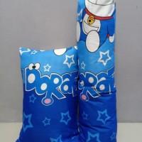 paket sarung bantal dan sarung guling motif karakter doraemon
