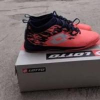 sepatu futsal LOTTO VELOCE IN bright peach/inchisotrom/white