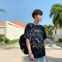 Kaos T-Shirt Lengan Pendek Longgar Print Graffiti untuk Pria