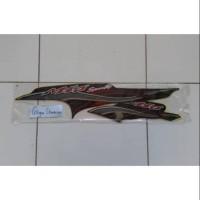 Striping atau stiker yamaha Mio sporty 2005 hitam