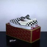 Sepatu Vans Slip On Motif Checker Board Catur Kotak Kotak White Black