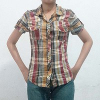 Kemeja Atasan Lengan Pendek Baju Wanita Kotak Bekas Second Preloved S