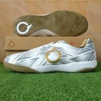 Sepatu Futsal Ortuseight Jogosala Razor - White/Gold - 38